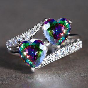 Blyštivý stříbrný prsten s kameny Roisin