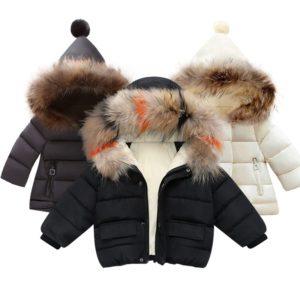 Dívčí zimní kabátek s kapucí