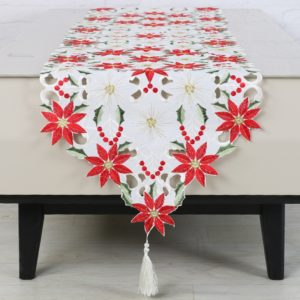 Vánoční vyšívané prostírání na stůl