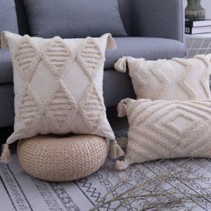 Povlaky na polštáře se střapci - domácí dekorace