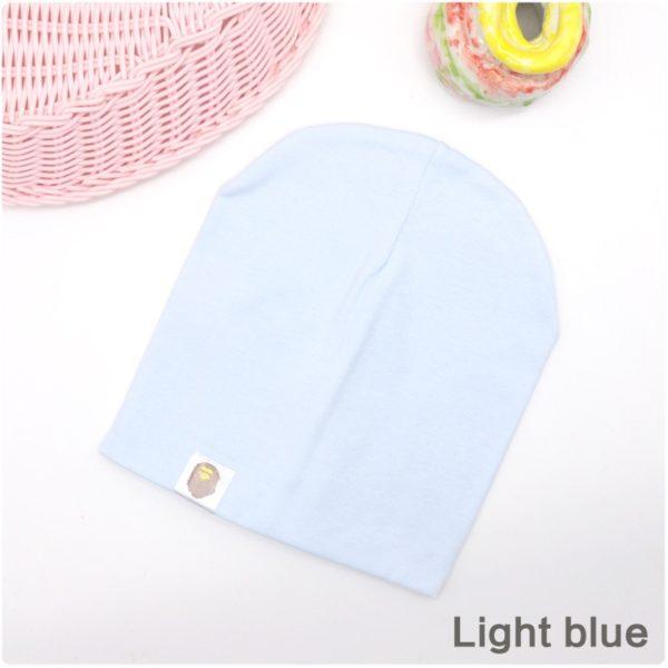 Jarní barevná čepice pro holky a kluky.