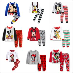 Krásné dětské pyžamo na spaní s Mickey Mousem