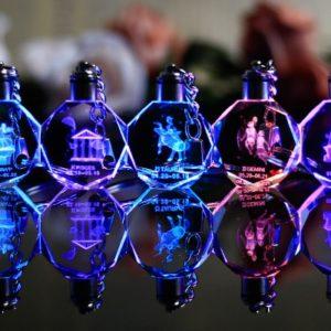 Svítící skleněná LED klíčenka - znamení zvěrokruhu