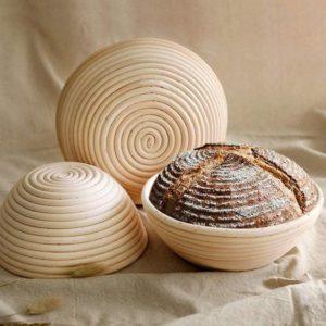 Přírodní oválný ratanový košík na chleba