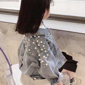 Dívčí stylová džínová bunda s perličkami