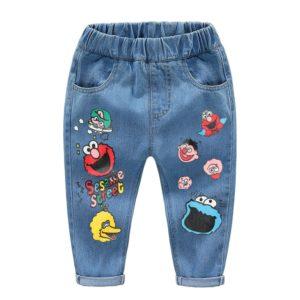 Roztomilé dětské džínové kalhoty