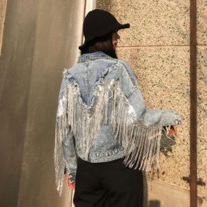 Dámská džínová bunda s třásněmi na zádech