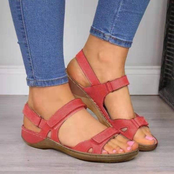 Dámské ležérní sandály na klínku