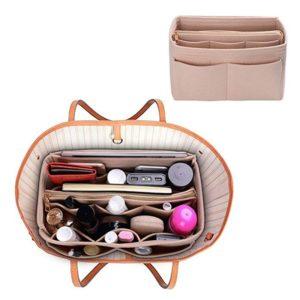 Praktický organizér do dámské kabelky s několika kapsami a zavíraním na zip