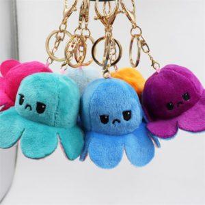 Oboustranná plyšová chobotnice s měnícím se výrazem jako přívěsek