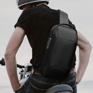 Voděodolný pánský crossbody batoh přes jedno rameno