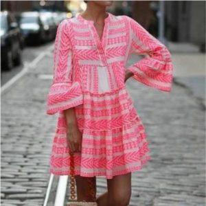 Stylové dámské jarní šaty se zvonovými rukávy Arianna