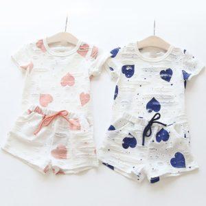 Set šortky a tričko pro dívky se srdíčky