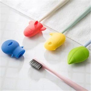 Cestovní barevný praktický kryt na zubní kartáček