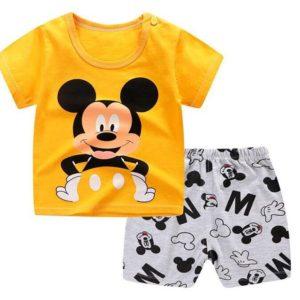 Sada dětského oblečení s krásnými motivy