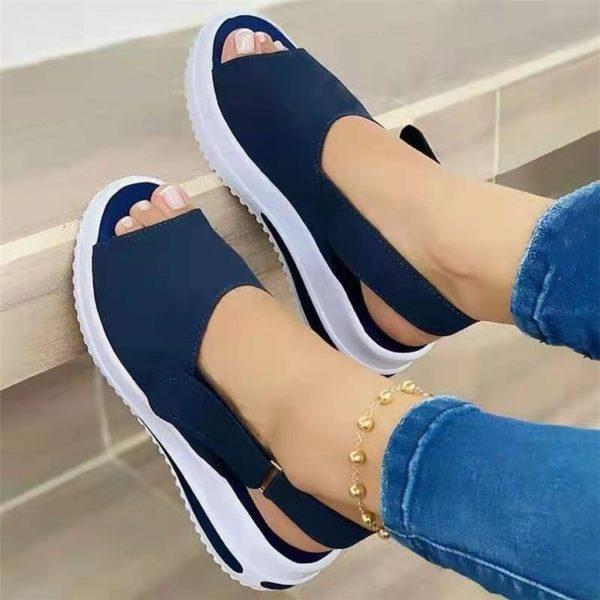 Dámské moderní sandály v originálním designu