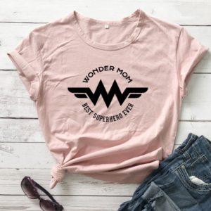 Dámské triko s krátkým rukávem a nápisem Wonder Mom
