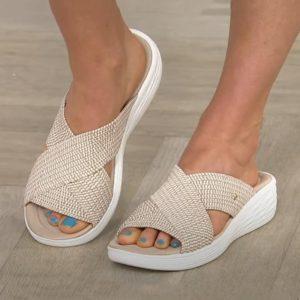 Pohodlné dámské plážové pantofle